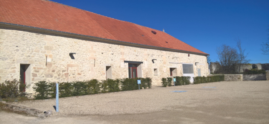 parking-salle-collation-lacroiseedespossibles-crepyenvalois