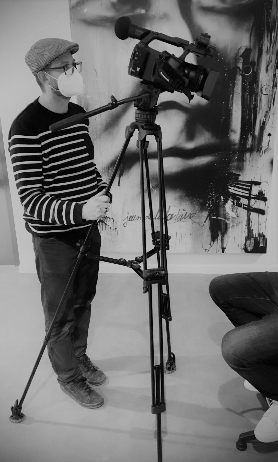 cadreur-cameraman-professionnel-enregistrement-plateauTV-salle-phonique-Oise-lacroiseedespossibles